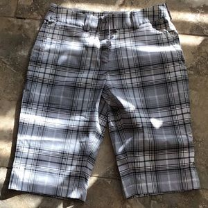 Nike golf dry fit plaid short. New without tag